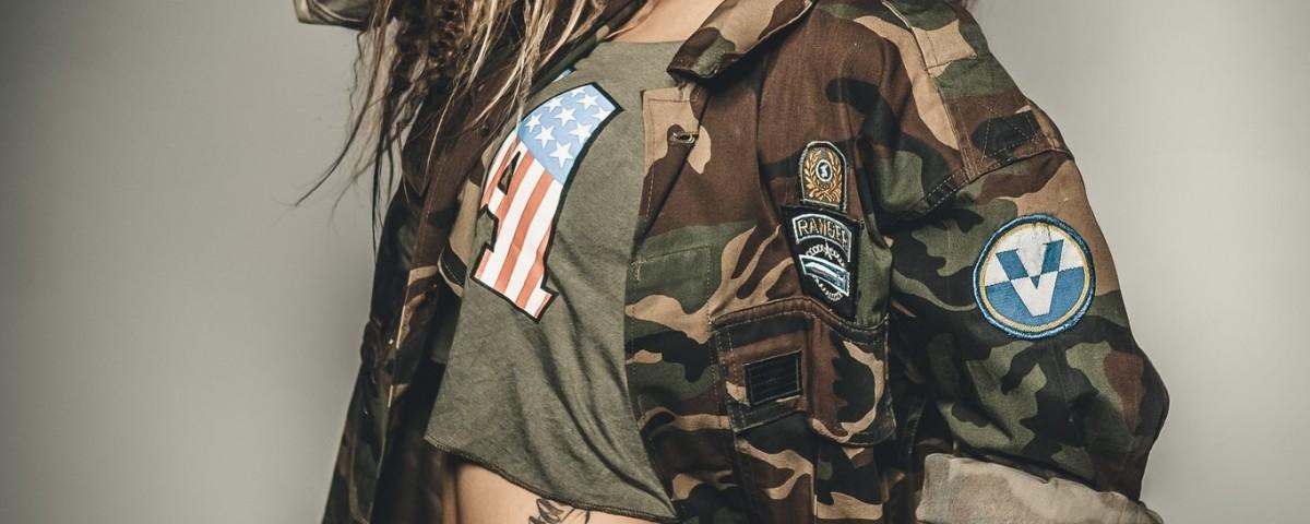 4565362-women-model-ass-tattoo